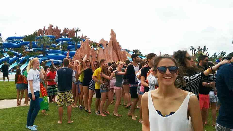 Foto: Esse mundo de gente, é devido à uma festa de intercambistas que ocorreu no parque.