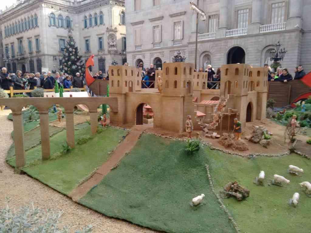 Foto: Presépio da feira da Catedral de Barcelona