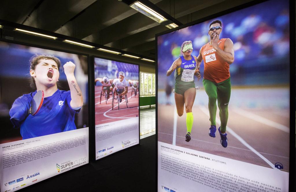 Exposição Super Atletas (Metrô Maracanã)