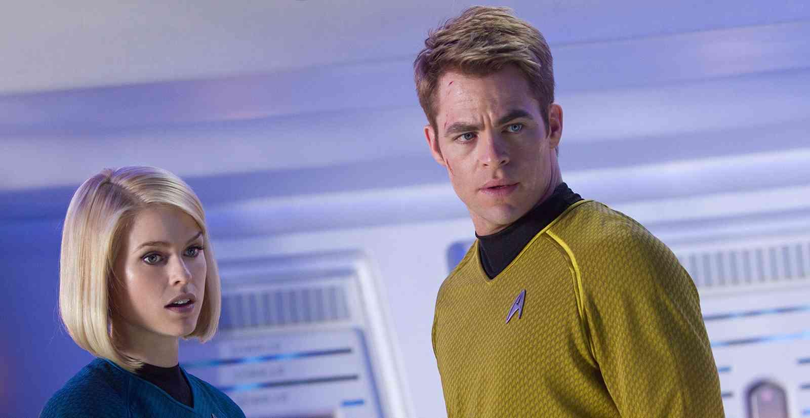 Star-Trek-AlÇm-da-Escurid∆o-(1)
