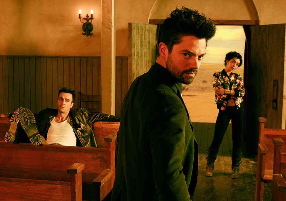 Da esquerda para a direita: Gilgun como Cassidy, Cooper como Jesse e Negga como Tulipa (crédito: Lewis Jacobs/Sony Pictures Televsion/AMC)