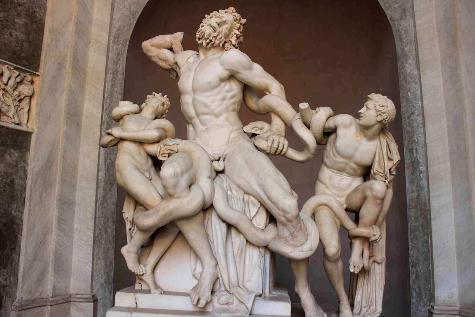 Laocoonte e seus filhos (Agesandro, Atenodoro, Polidoro; aprox. 40 a.C)