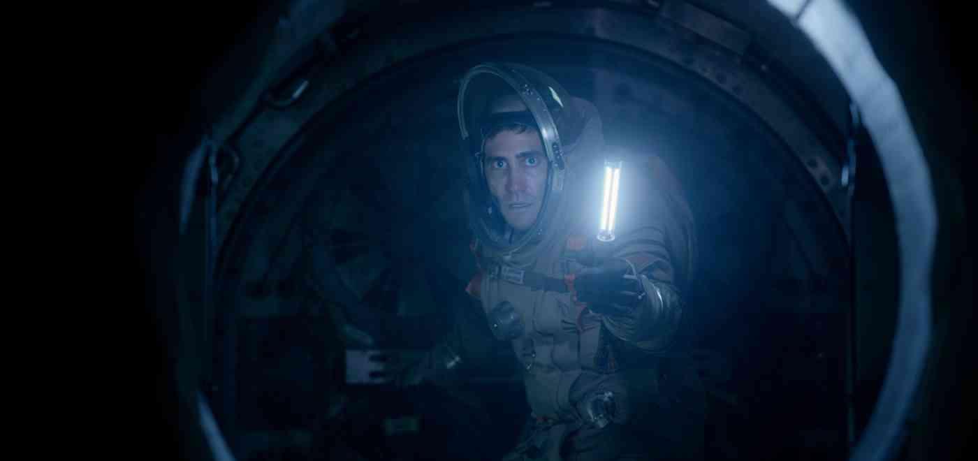 Jake Gyllenhaal no espaço