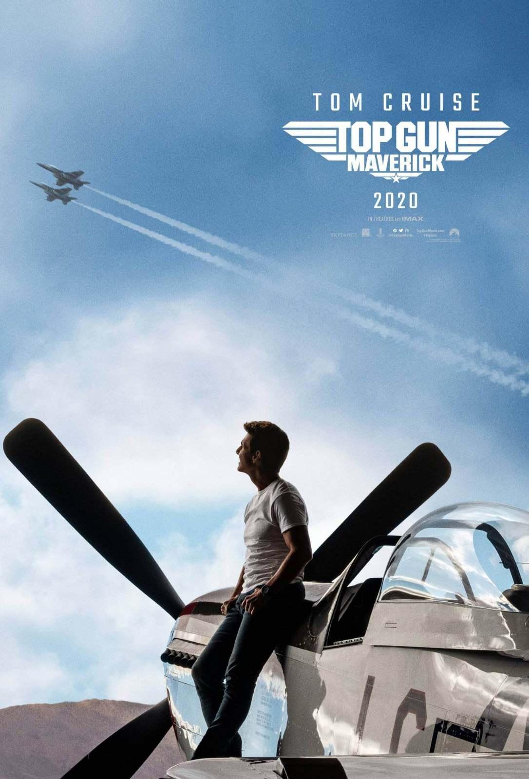 A imagem traz o novo pôster de Top Gun: Maverick , onde Tom Cruise observa dos caças no céu.