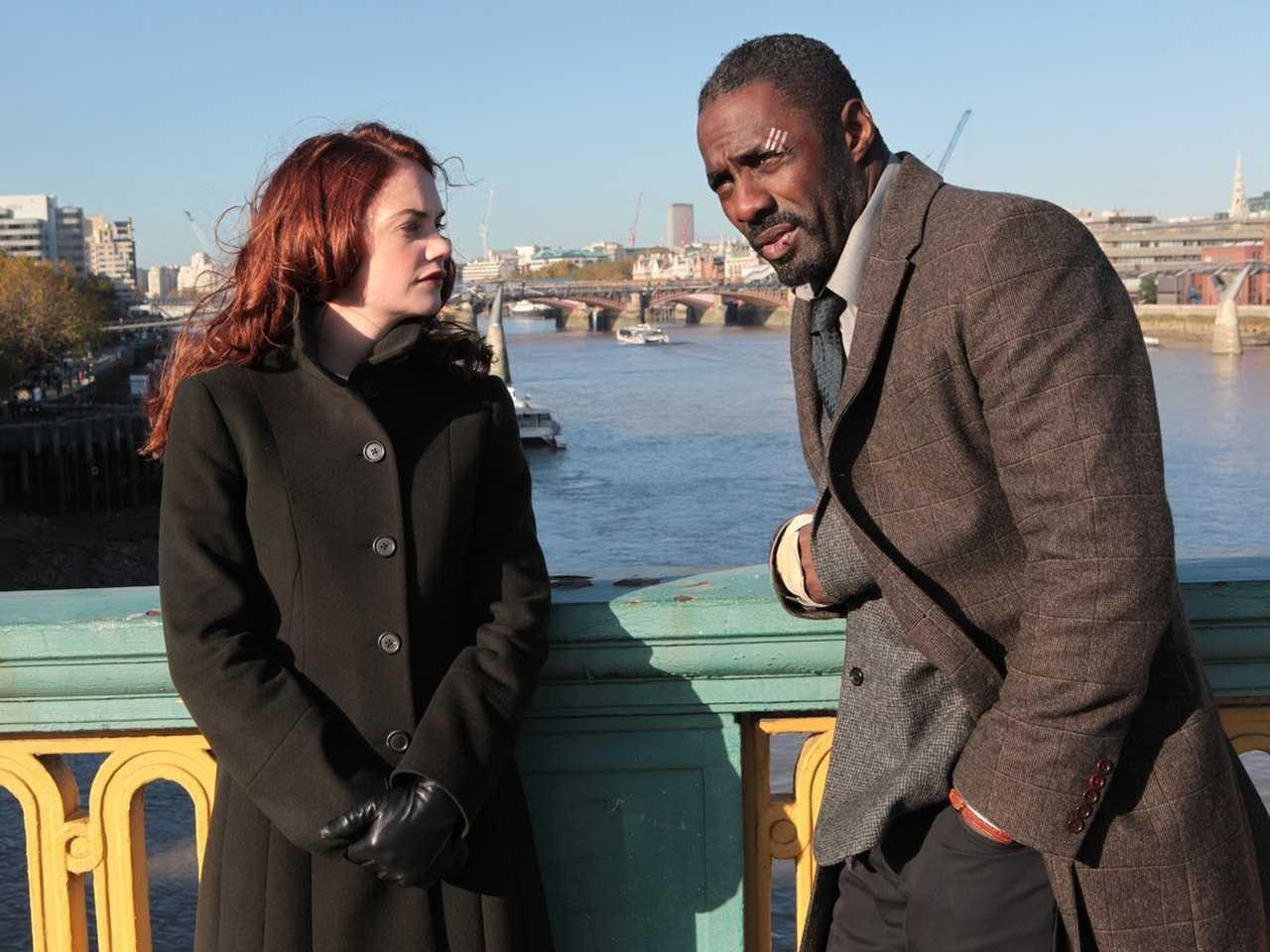 Idris Elba e Ruth Wilson em Luther